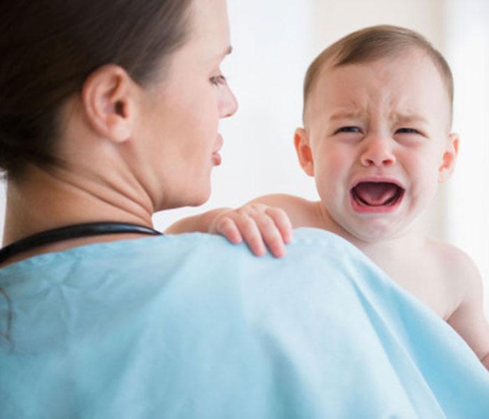 GIúp việc đánh trẻ phải làm sao?