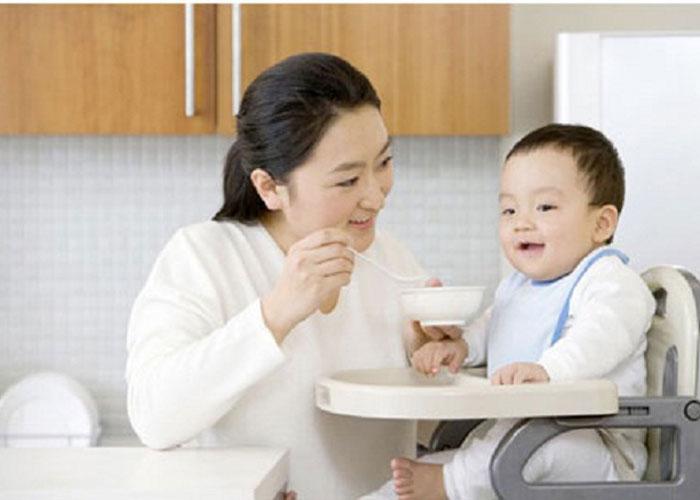 Khi thuê giúp việc trông trẻ vừa giúp bạn có thời gian chăm sóc con vừa dành được nhiều thời gian cho bản thân